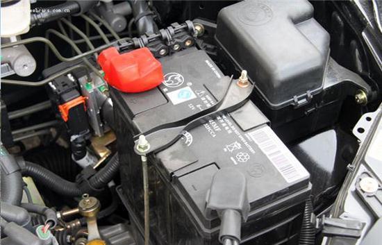 车载逆变器用的是汽车电瓶的电,而汽车自带发电机给电瓶充电